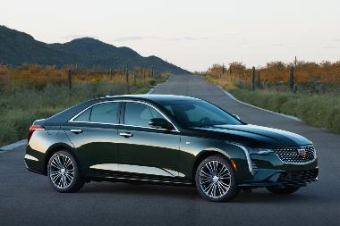 2020 Cadillac-CT4-PremiumLuxury-side_right