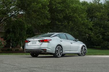 2019 Nissan Altima_Rear_right