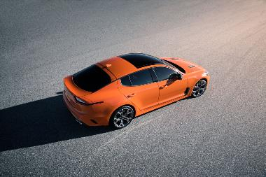 2019 Kia Stinger_overhead_rear_right